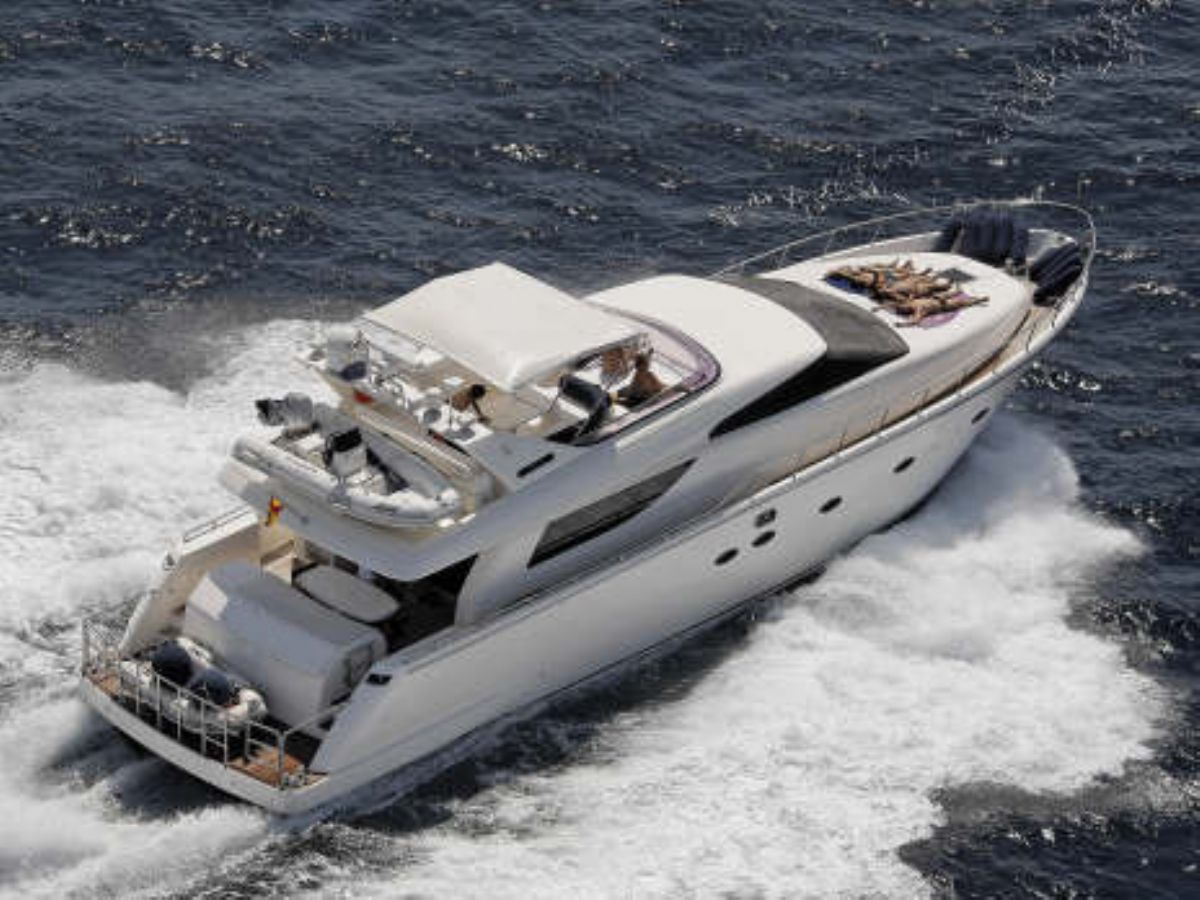 Motor Yachts for sale including used Sunseeker, Princess, Ferretti, San ...
