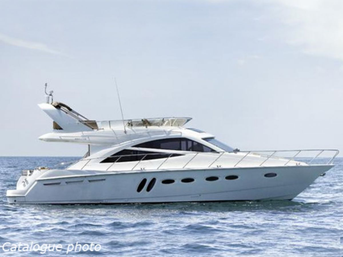 Sealine T50, Motor Yacht