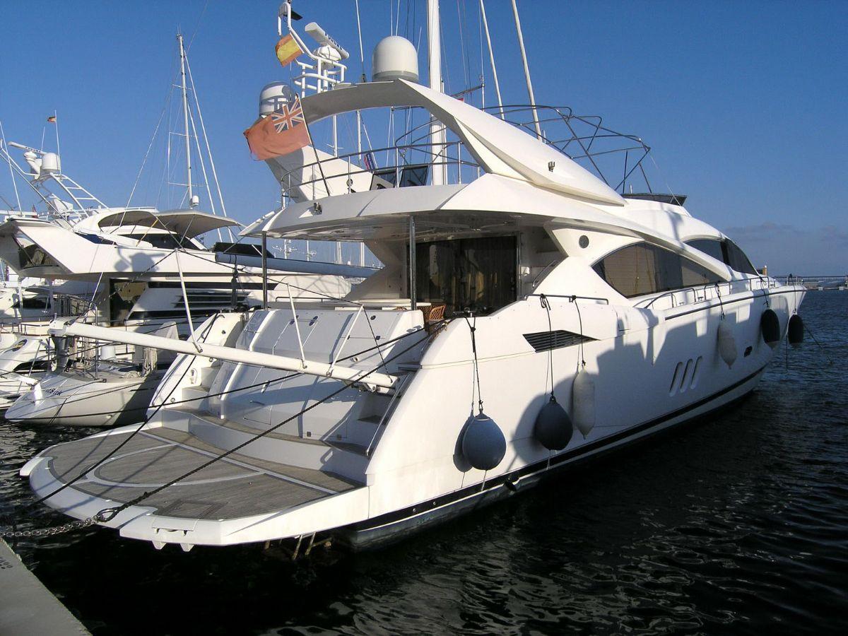Sunseeker 82 Yacht,